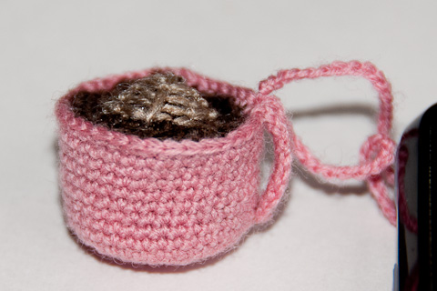 Free Crochet Pattern Tiny Amigurumi Coffee Cup Roses N Lilies