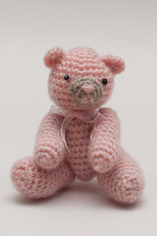 Free Crochet Mini Teddy Bear Pattern : Free Crochet Pattern ? Tiny Jointed Thread Teddy Bears ...